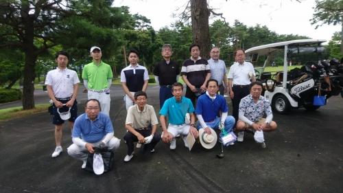 夏空の下、第4回新潟ハチ公会ゴルフコンペ開催
